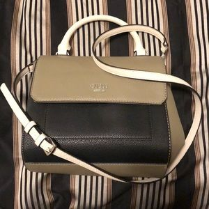 Guess pocketbook never used, in great condition!